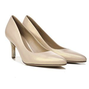 NEW Naturalizer Pearl Leather Heels Pumps Size 9